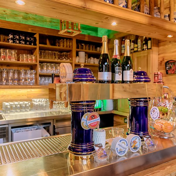Die Bar in Enzianhütte Wiesbaden